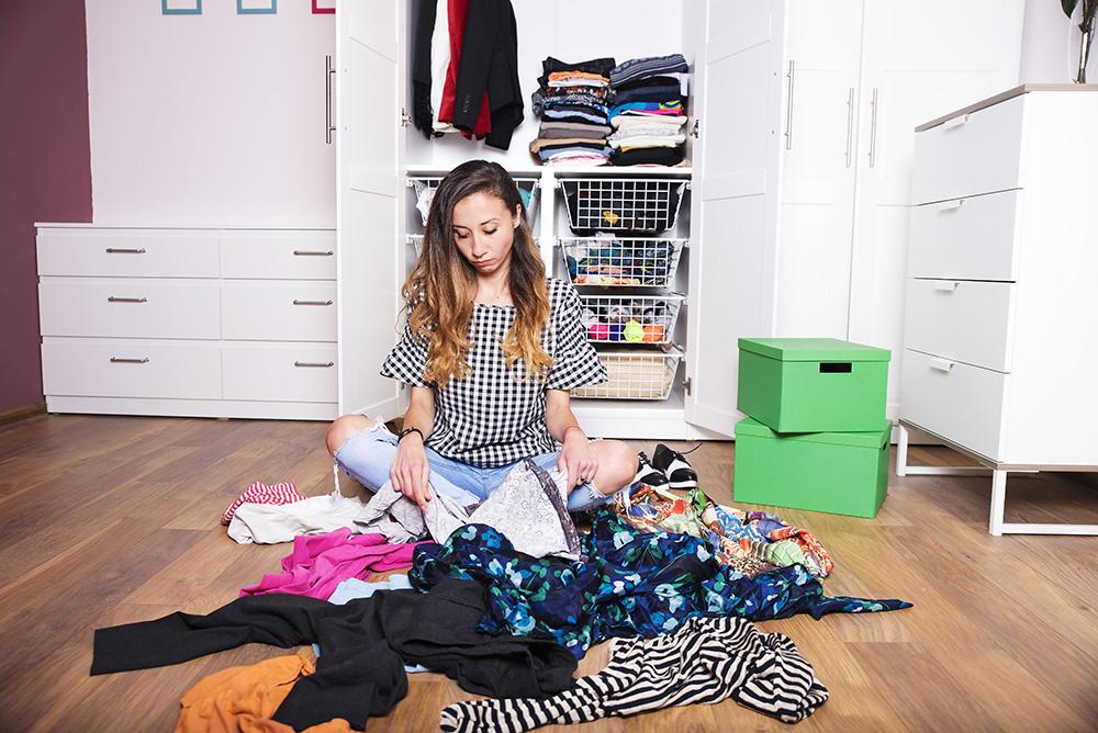 decluttered closet, organizing wardrobe, stylist, Dressedbytia